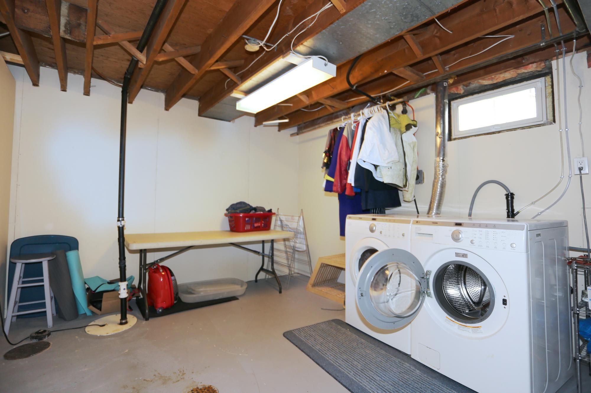 Photo 26: Photos: 1322 Valour Road in Winnipeg: Sargent Park Single Family Detached for sale (5C)  : MLS®# 1811835
