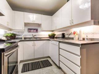"""Photo 8: 402 15140 29A Avenue in Surrey: King George Corridor Condo for sale in """"The Sands"""" (South Surrey White Rock)  : MLS®# R2510345"""