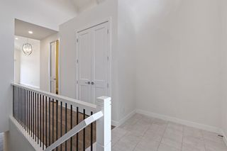 Photo 7: 12562 Crestmont Boulevard SW in Calgary: Crestmont Row/Townhouse for sale : MLS®# A1117892