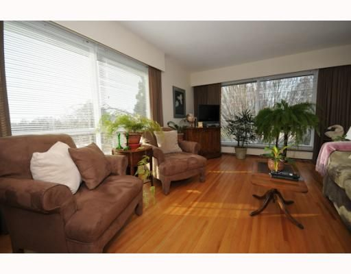 FEATURED LISTING: 304 - 8680 FREMLIN Street Vancouver