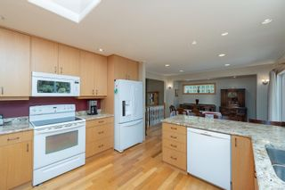 Photo 12: 1956 Sandover Cres in : NS Dean Park House for sale (North Saanich)  : MLS®# 876807