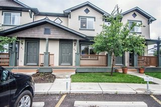 Photo 1: 53 105 DRAKE LANDING Common: Okotoks Row/Townhouse for sale : MLS®# C4257237