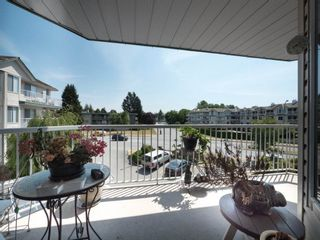 """Photo 20: 202 5363 206 Street in Langley: Langley City Condo for sale in """"Park Estates II"""" : MLS®# R2188125"""