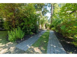 """Photo 2: 43573 RED HAWK Pass: Lindell Beach House for sale in """"The Cottages at Cultus Lake"""" (Cultus Lake)  : MLS®# R2477513"""