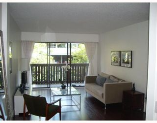 """Photo 1: 205 930 E 7TH Avenue in Vancouver: Mount Pleasant VE Condo for sale in """"Windsor Park"""" (Vancouver East)  : MLS®# V787227"""