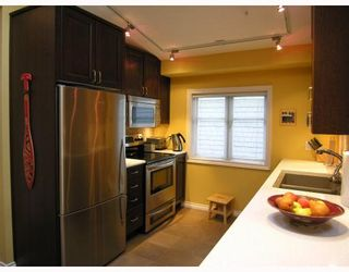 Photo 4: 3018 COLUMBIA Street in Vancouver: Mount Pleasant VW Townhouse for sale (Vancouver West)  : MLS®# V682762