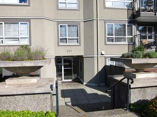 "Photo 2: 314 555 W 14TH Avenue in Vancouver: Fairview VW Condo for sale in ""Cambridge Place"" (Vancouver West)  : MLS®# R2423836"