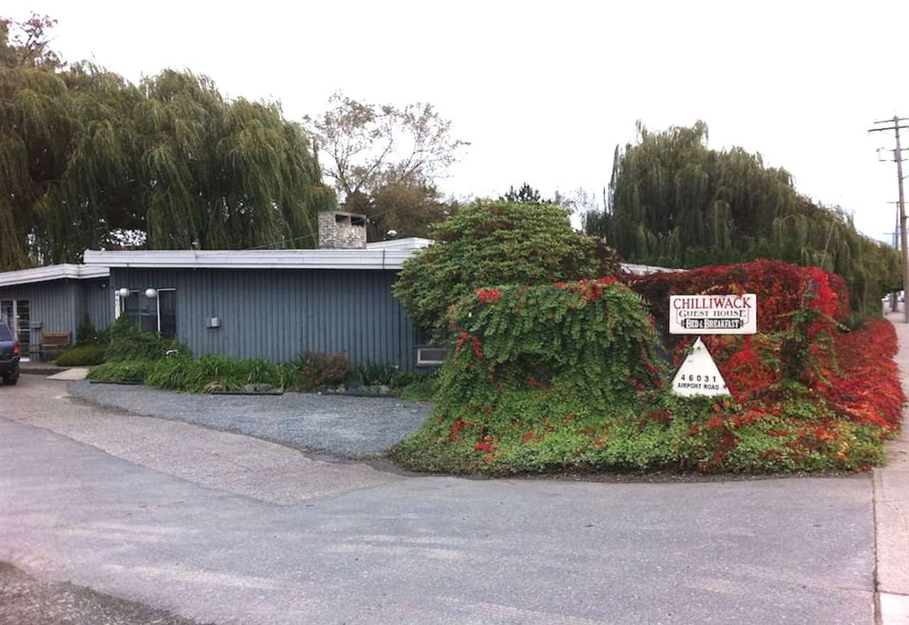 Main Photo: 46031 AIRPORT Road in Chilliwack: Chilliwack E Young-Yale House for sale : MLS®# R2227006