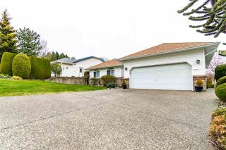 """Photo 2: 5411 ALPINE Crescent in Chilliwack: Promontory House for sale in """"PROMONTORY"""" (Sardis)  : MLS®# R2562813"""