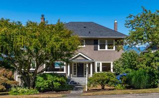 """Main Photo: 4677 BELLEVUE Drive in Vancouver: Point Grey House for sale in """"PG"""" (Vancouver West)  : MLS®# R2603102"""