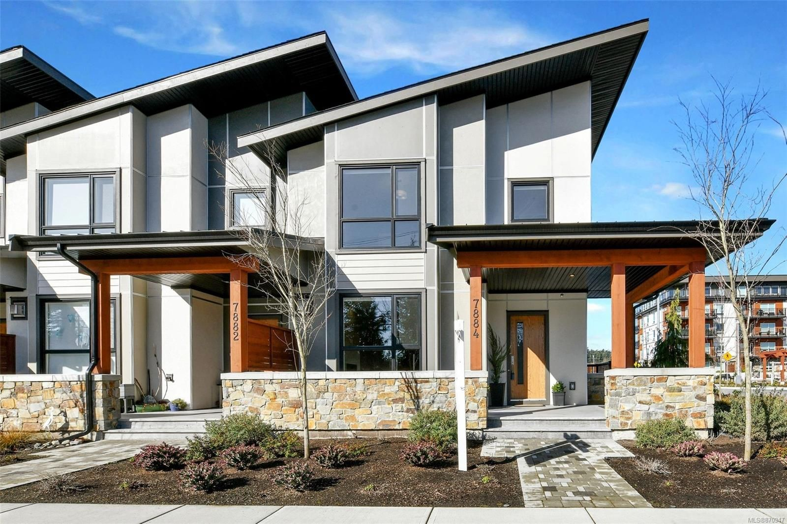 Main Photo: 7884 Lochside Dr in : CS Turgoose Row/Townhouse for sale (Central Saanich)  : MLS®# 870947