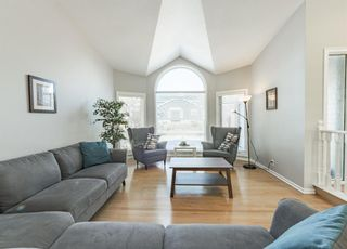 Photo 3: 58 Edgebank Circle NW in Calgary: Edgemont Detached for sale : MLS®# A1079925