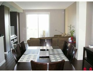 """Photo 2: 4 18983 72A Avenue in Surrey: Clayton Townhouse for sale in """"KEW by Mosaic"""" (Cloverdale)  : MLS®# F2909372"""