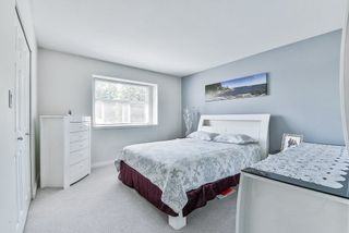 Photo 13: 102 9580 PRINCE CHARLES Boulevard in Surrey: Queen Mary Park Surrey Townhouse for sale : MLS®# R2295935