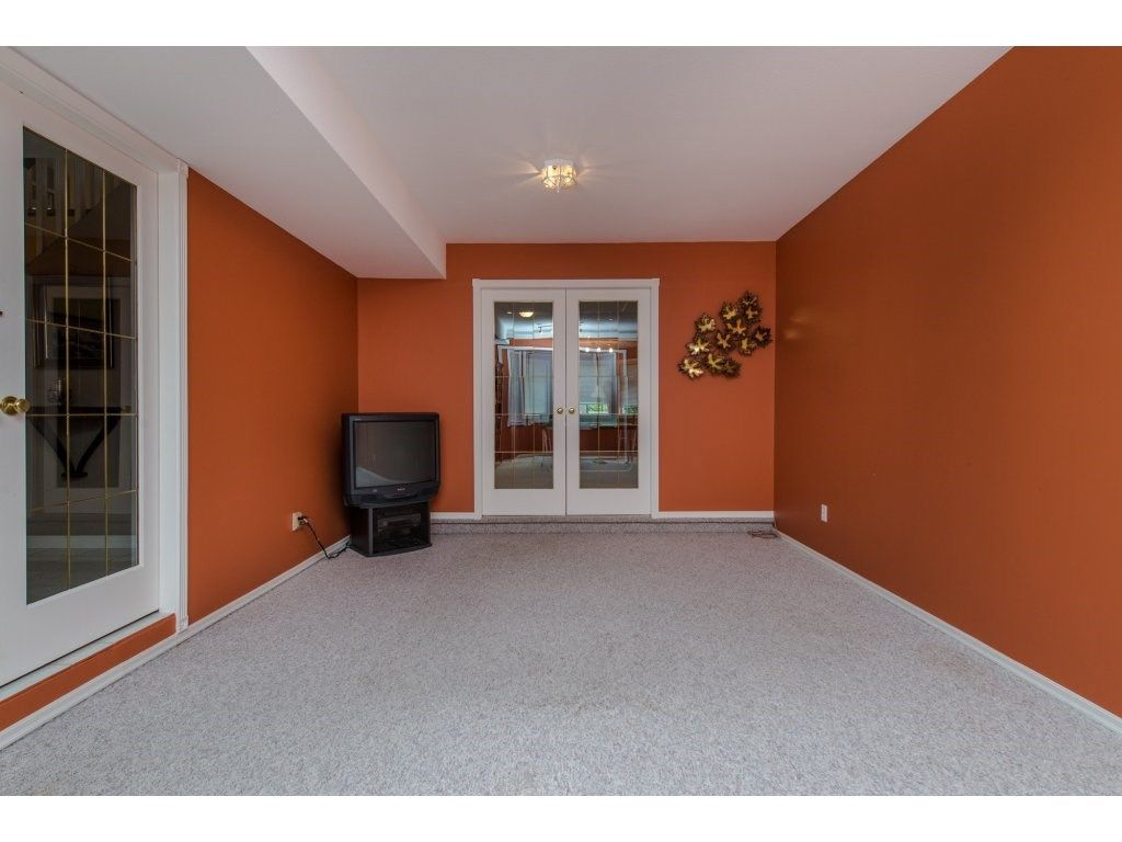 """Photo 4: Photos: 27091 24A Avenue in Langley: Aldergrove Langley House for sale in """"South Aldergrove"""" : MLS®# R2080123"""