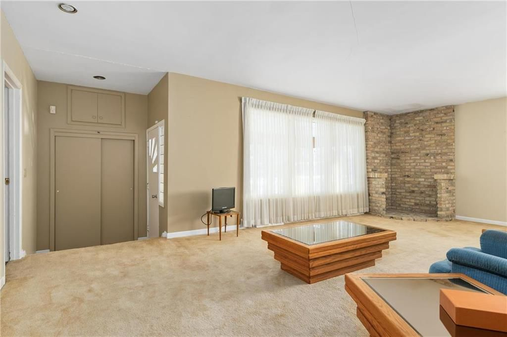 Photo 5: Photos: 219 TAIT Street in Selkirk: R14 Residential for sale : MLS®# 202000953