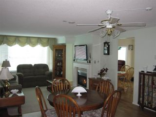 """Photo 3: 601 12148 224 Street in Maple Ridge: East Central Condo for sale in """"PANORAMA"""" : MLS®# R2158878"""