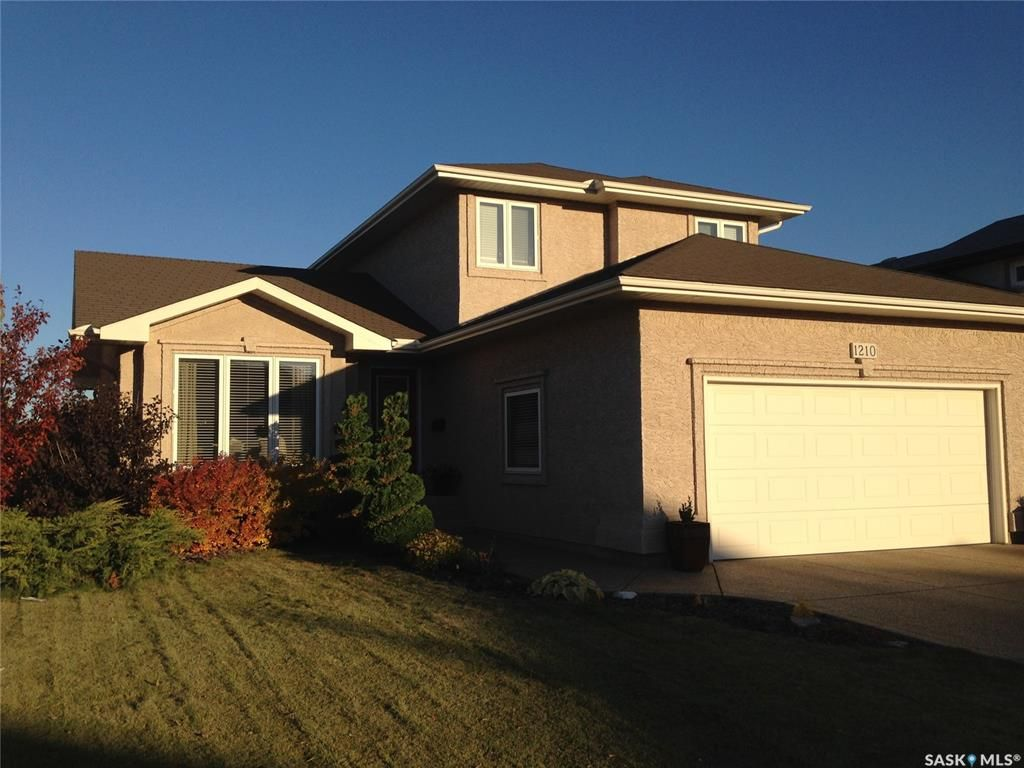 Main Photo: 1210 Wright Crescent in Saskatoon: Arbor Creek Residential for sale : MLS®# SK852548