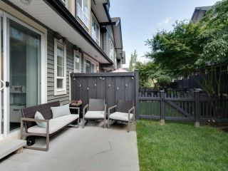"""Photo 4: 53 4967 220 Street in Langley: Murrayville Townhouse for sale in """"WINCHESTER ESTATES"""" : MLS®# R2383296"""