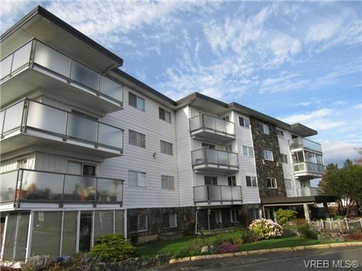 Main Photo: 203 848 Esquimalt Rd in VICTORIA: Es Old Esquimalt Condo for sale (Esquimalt)  : MLS®# 725551