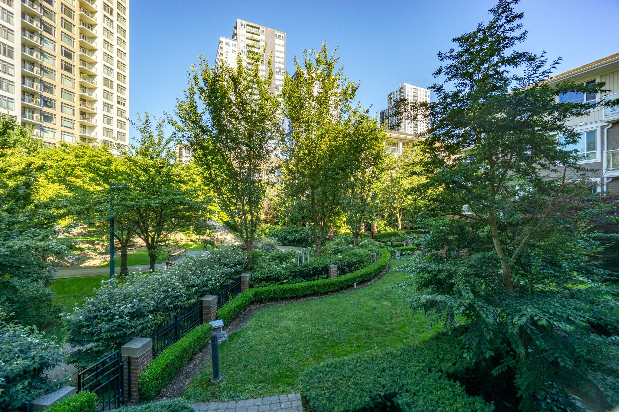 Photo 16: Photos: 208 3551 FOSTER Avenue in Vancouver: Collingwood VE Condo for sale (Vancouver East)  : MLS®# R2291555