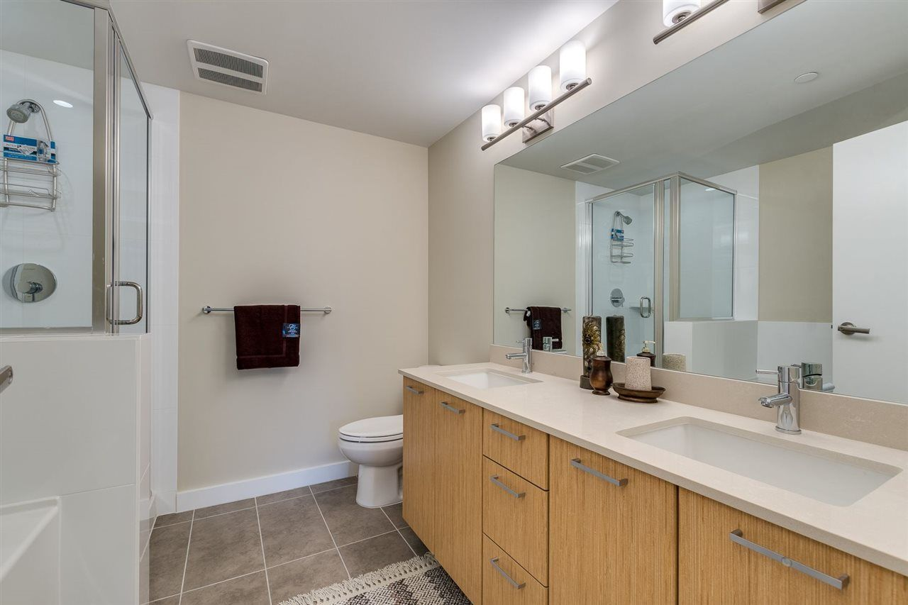 """Photo 21: Photos: 204 301 CAPILANO Road in Port Moody: Port Moody Centre Condo for sale in """"The Residences"""" : MLS®# R2474301"""