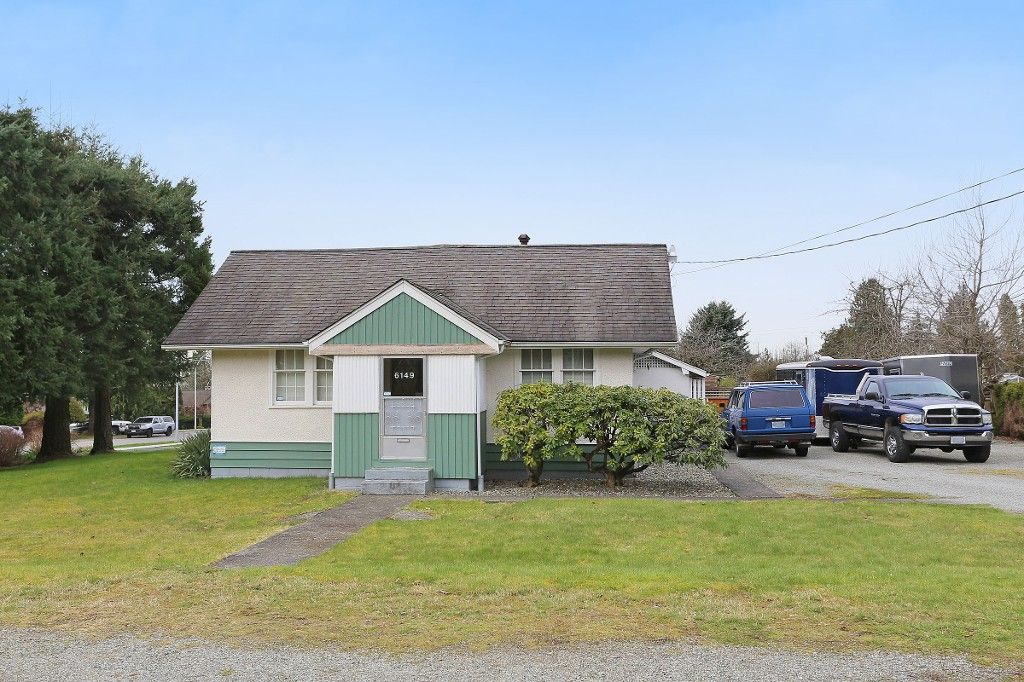 Main Photo: 6149 181A Street in Surrey: Cloverdale BC House for sale (Cloverdale)  : MLS®# R2147124