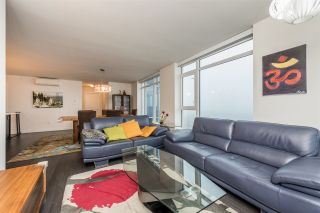 "Photo 7: 2401 608 BELMONT Street in New Westminster: Uptown NW Condo for sale in ""VICEROY ""BY BOSA"""" : MLS®# R2159779"