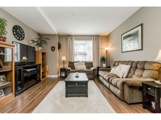 """Photo 4: 40 4967 220 Street in Langley: Murrayville Townhouse for sale in """"Winchester"""" : MLS®# R2393390"""