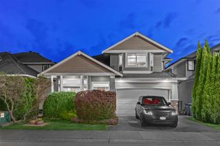 Main Photo: 9065 216A Street in Langley: Walnut Grove House for sale : MLS®# R2578160