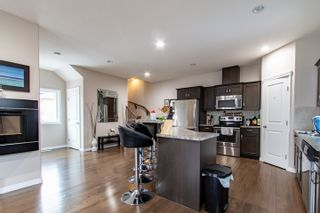 Photo 4: 2 10417 69 Avenue in Edmonton: Zone 15 Condo for sale : MLS®# E4227081