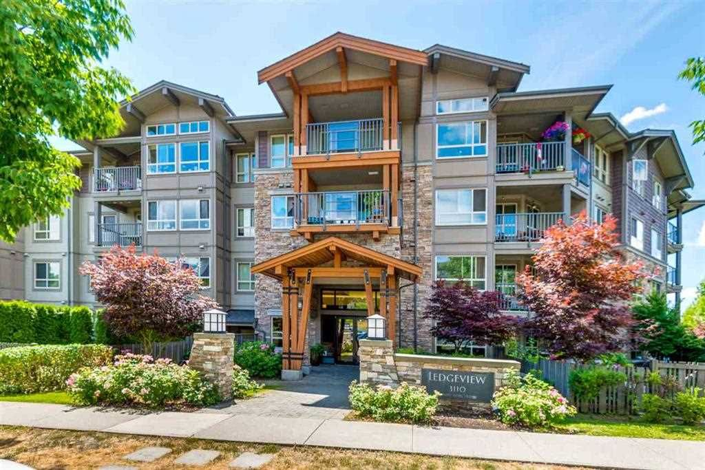 """Main Photo: 307 3110 DAYANEE SPRINGS Boulevard in Coquitlam: Westwood Plateau Condo for sale in """"LEDGEVIEW"""" : MLS®# R2229127"""