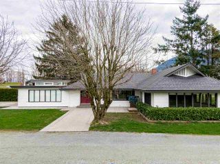 Photo 1: 41745 NO. 3 Road: Yarrow House for sale : MLS®# R2560580