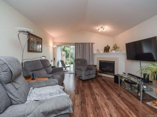 Photo 4: 110 2077 St Andrews Way in COURTENAY: CV Courtenay East Row/Townhouse for sale (Comox Valley)  : MLS®# 825107