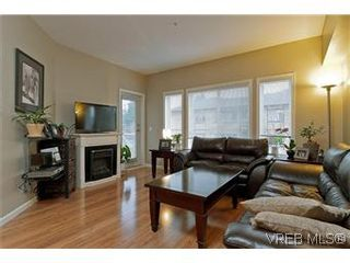 Photo 5: 102 360 Goldstream Ave in VICTORIA: Co Colwood Corners Condo for sale (Colwood)  : MLS®# 560651
