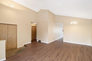 Photo 4: 24 Martinwood Mews NE in Calgary: Martindale Detached for sale : MLS®# A1066182