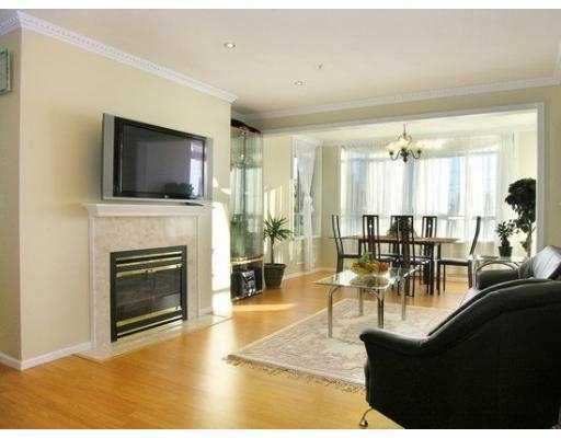 Photo 3: Photos: 306 855 W 16TH Street in GABLES WEST: Hamilton Home for sale ()  : MLS®# V632468