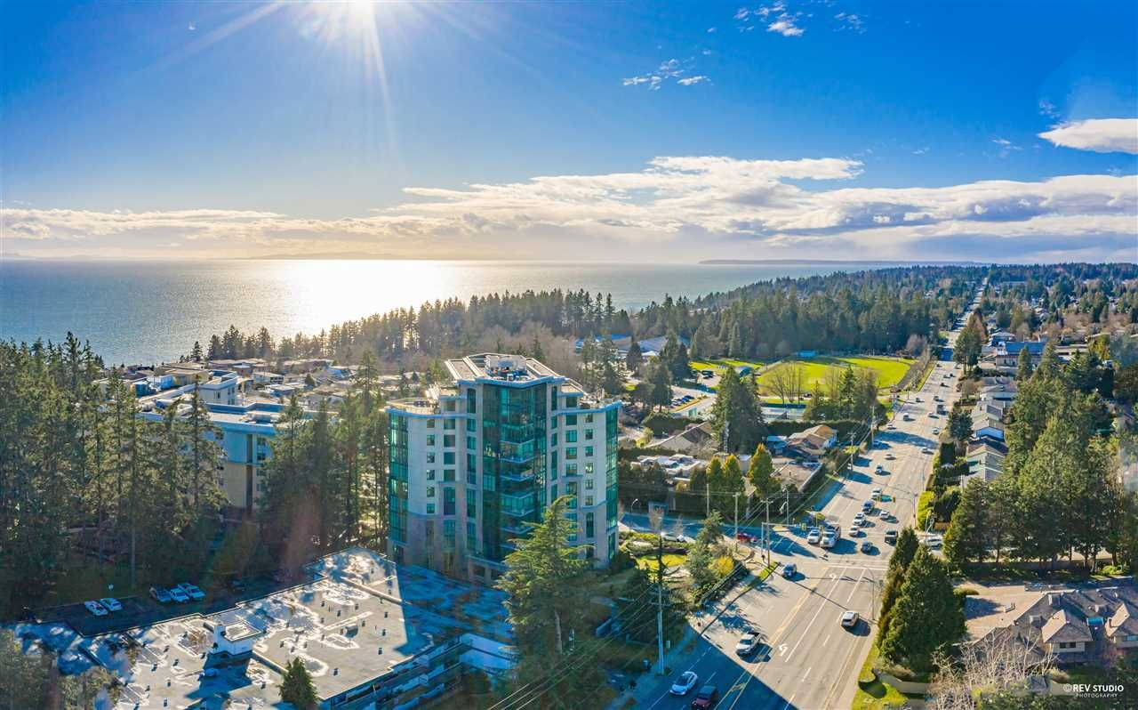 """Main Photo: 1102 14824 NORTH BLUFF Road: White Rock Condo for sale in """"BELAIRE"""" (South Surrey White Rock)  : MLS®# R2604497"""