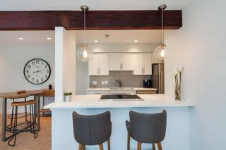 """Photo 4: E2 1100 W 6TH Avenue in Vancouver: Fairview VW Townhouse for sale in """"FAIRVIEW PLACE"""" (Vancouver West)  : MLS®# R2189422"""