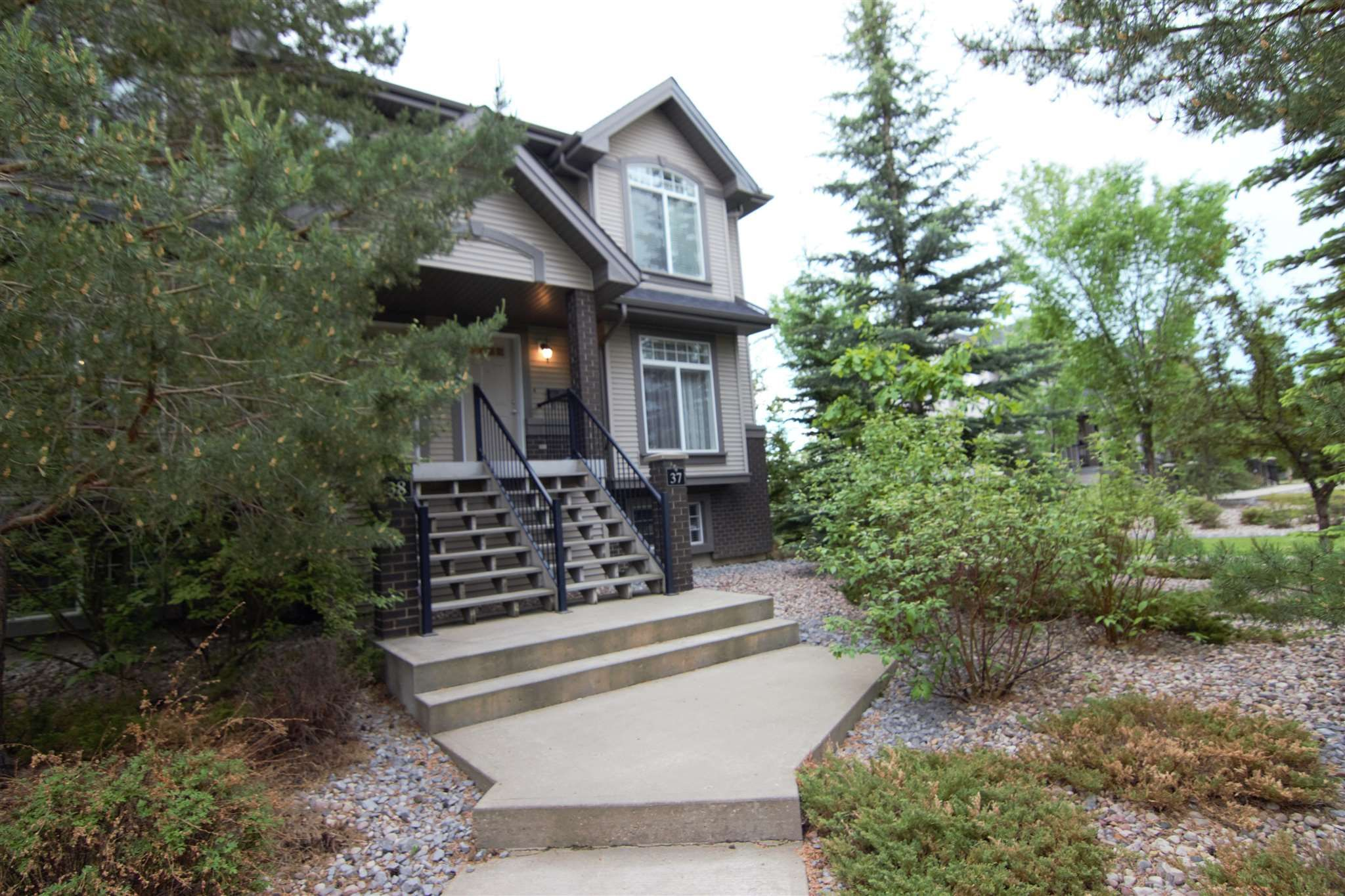 Main Photo: 37 4731 TERWILLEGAR Common in Edmonton: Zone 14 Townhouse for sale : MLS®# E4249713