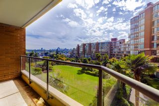 """Photo 36: 406 1450 PENNYFARTHING Drive in Vancouver: False Creek Condo for sale in """"Harbour Cove"""" (Vancouver West)  : MLS®# R2617259"""
