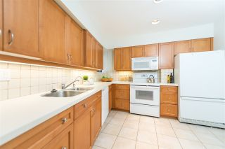 Photo 8: 5560 YEW Street in Vancouver: Kerrisdale Townhouse for sale (Vancouver West)  : MLS®# R2105077