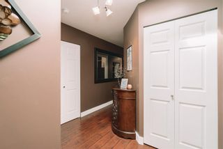 """Photo 5: 312 33375 MAYFAIR Avenue in Abbotsford: Central Abbotsford Condo for sale in """"MAYFAIR PLACE"""" : MLS®# R2604719"""