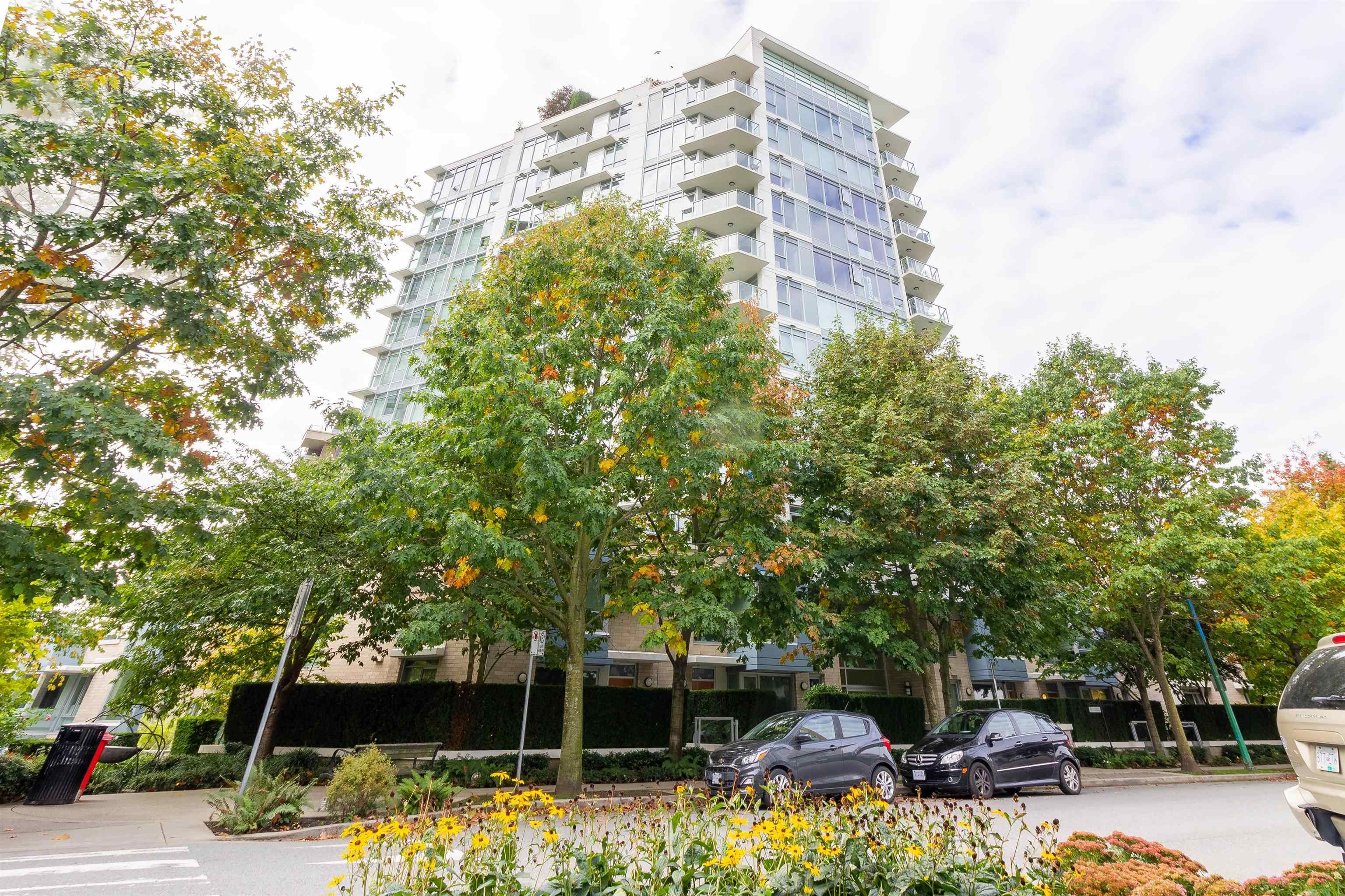 """Main Photo: 208 175 W 2ND Street in North Vancouver: Lower Lonsdale Condo for sale in """"VENTANA"""" : MLS®# R2625562"""