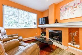 """Photo 9: 32 2588 152 Street in Surrey: King George Corridor Townhouse for sale in """"Woodgrove"""" (South Surrey White Rock)  : MLS®# R2540147"""