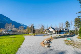 Photo 5: 41605 - 41611 GRANT Road in Squamish: Brackendale House for sale : MLS®# R2520368