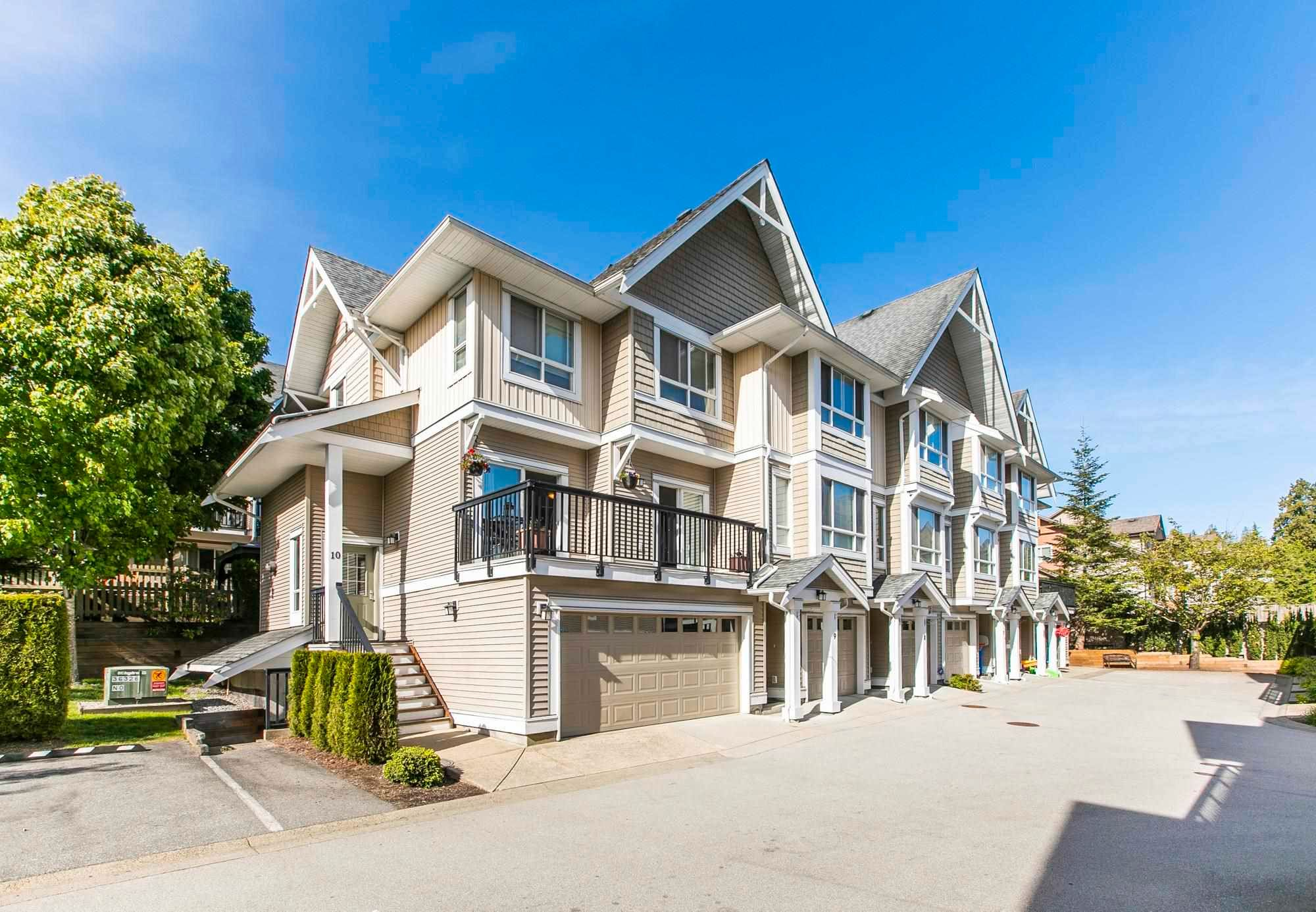 """Main Photo: 10 20159 68 Avenue in Langley: Willoughby Heights Townhouse for sale in """"Vantage"""" : MLS®# R2599623"""