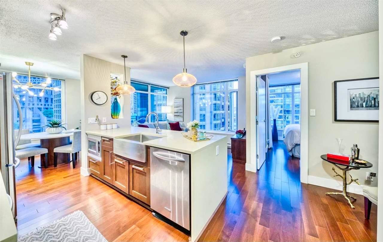 """Main Photo: 906 888 HOMER Street in Vancouver: Downtown VW Condo for sale in """"THE BEASLEY"""" (Vancouver West)  : MLS®# R2603856"""