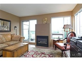 Photo 3: 302 932 Johnson Street in VICTORIA: Vi Downtown Residential for sale (Victoria)  : MLS®# 299733