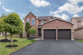 Main Photo: 550 Old Harwood Avenue in Ajax: Central House (2-Storey) for sale : MLS® # E4007983